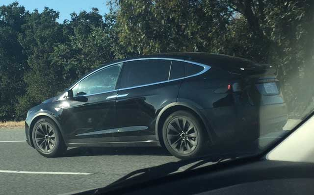 Tesla-Model-X-Palo-Alto-07312015-1