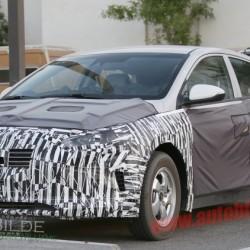 El rival del Prius de Hyundai será presentado el próximo año. Versión híbrida enchufable y posiblemente una versión eléctrica