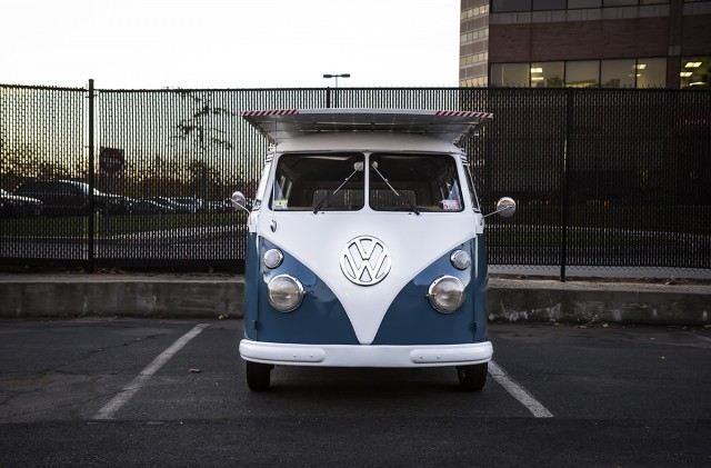 solar-powered-electric-1966-volkswagen-bus-owned-by-daniel-theoblad_100521021_m