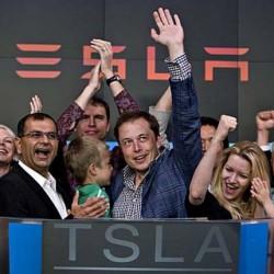 Tesla capta 1.200 millones de dólares en su última venta de acciones. Un 20% más de lo previsto