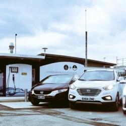 Abre la primera hidrogenera de acceso público en Inglaterra. Energía eólica para generar hidrógeno