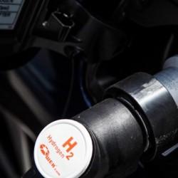 El absurdo del coche a hidrógeno en un gráfico. Hasta tres veces menos eficiente que los modelos a batería