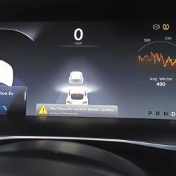 Un Tesla Model S impacta con una furgoneta mientras iba en Autopilot