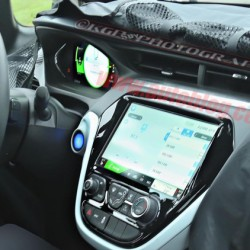 Fotografiado por primera vez el interior del Chevrolet Bolt