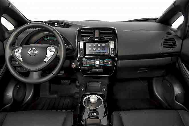 cockpit-nissan-leaf-15