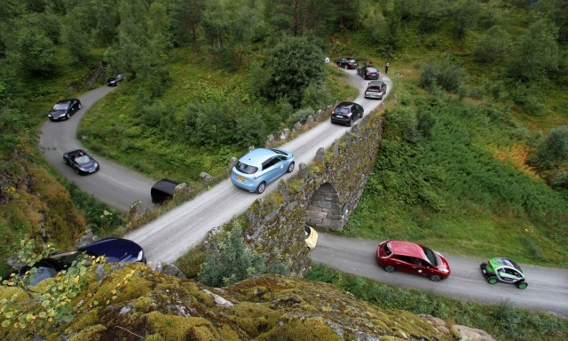 electric-car-rally-in-geiranger-norway-image-norsk-elbilforening-via-flickr_100530089_m