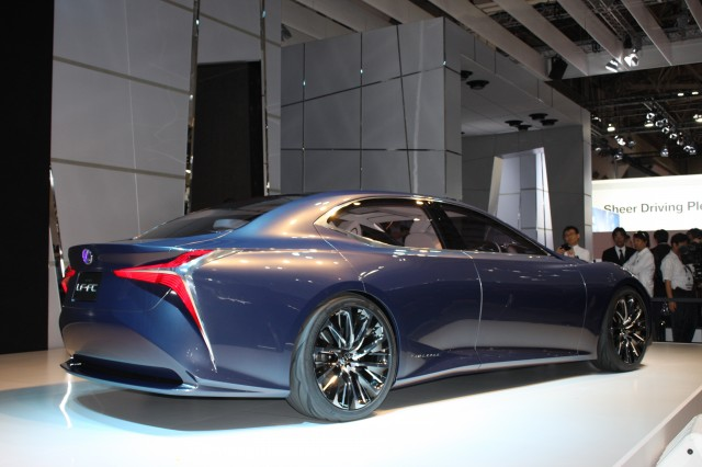 lexus-lf-fc-fuelcell_