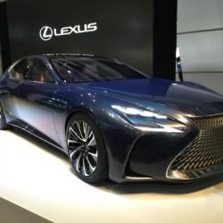 Lexus no apostará por los híbridos enchufables, y pasará directamente a los eléctricos