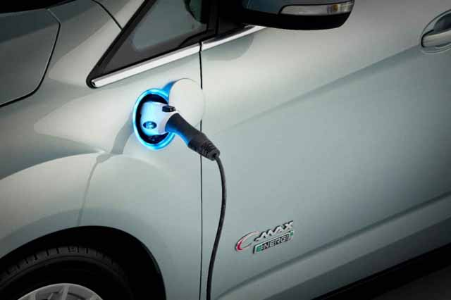 ford-c-max-energi-charge