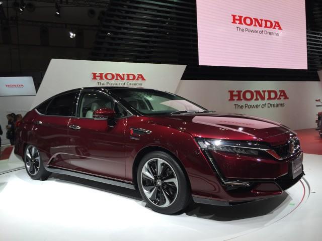 honda-clarity-fuel-cell-2015-tokyo-motor-show_100531917_h