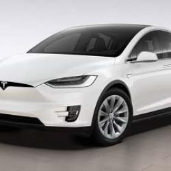 Para la CNN, el Tesla Model X es el rey de los todocaminos