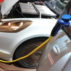 Francia lanza el reto de crear un coche eléctrico con un precio de entre 5.000 y 7.000 euros