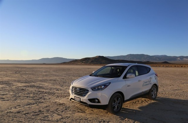 HYUNDAI TUCSON FUEL CELL SETS LAND SPEED RECORD FOR PRODUCTION FUEL CELL SUV IN THE CALIFORNIA DESERT