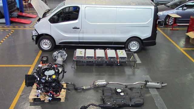 Renault_traffic-carwatts-2