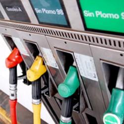 El precio de las gasolinas a niveles históricos, pero siguen siendo mucho más caras que la electricidad