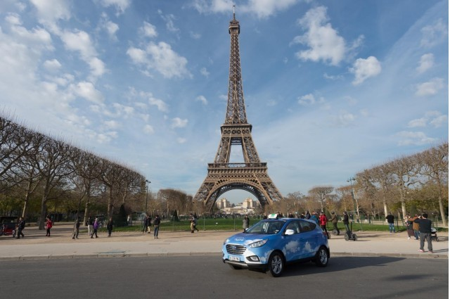 hyundai-ix35-tucson-fuel-cell-paris-taxi_100537892_m