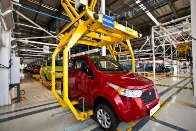 imgmahindras-next-generation-electric-car-e2o