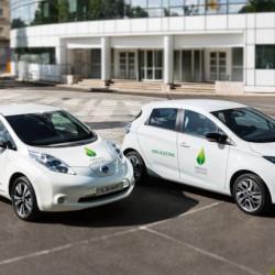 Encuesta. ¿Quién venderá más coches eléctricos en España el próximo año? Nissan LEAF 30 o Renault ZOE 240