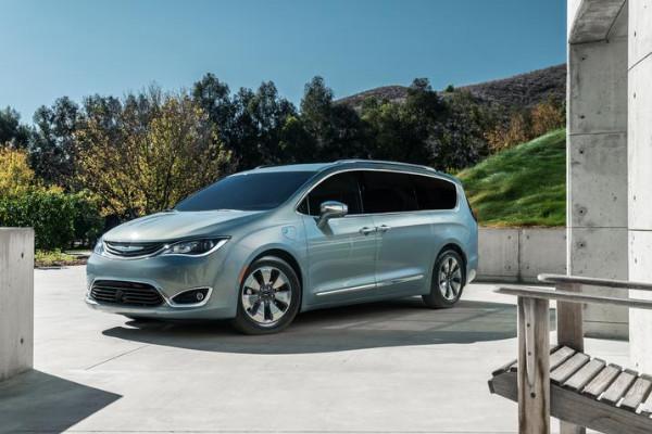 Chrysler-Pacifica-Hybrid