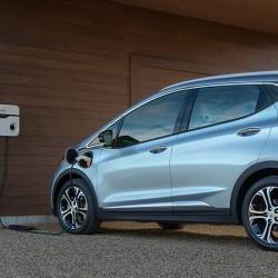 Analistas predicen unas ventas de entre 30.000 y 80.000 unidades el primer año del Chevrolet Bolt