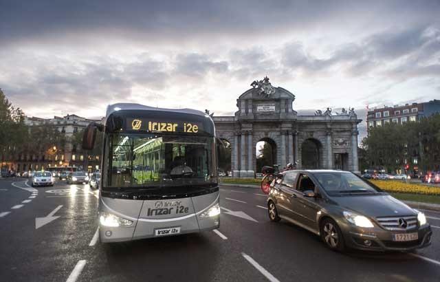 irizar-i2e-autobus-del-año-2016
