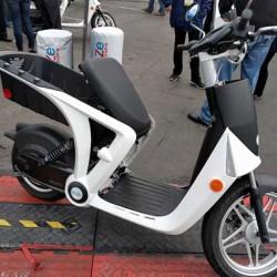Mahindra Genze 2.0. El scooter eléctrico llegará este otoño al mercado