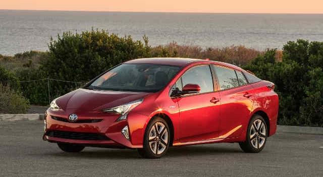 Los ricos ya no compran Prius. Ahora tienen a Tesla
