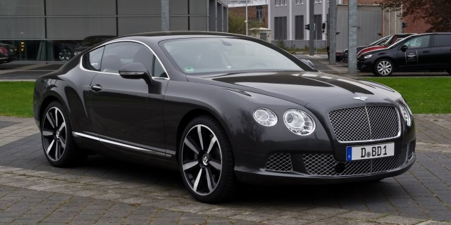 Bentley_Continental_GT_II_–_Frontansicht_3_5._April_2012_Düsseldorf