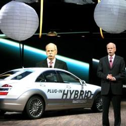Los accionistas de Daimler se muestran preocupados por el impacto del Tesla Model 3