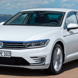 Precio del Volkswagen Passat GTE en España. Desde 45.875 euros