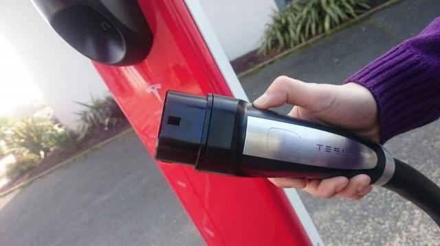 Supercargador-Tesla-Bayona