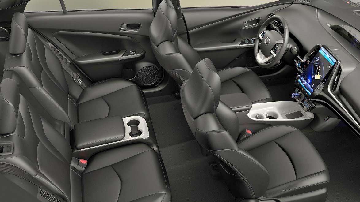 2017-Toyota-Prius-Prime-seating