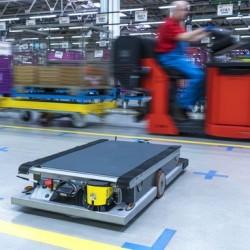 Robots autónomos y alimentados por baterías del BMW i3