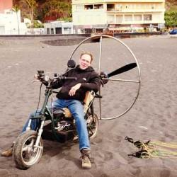 El primer scooter eléctrico volador hace su vuelo inaugural en Las Islas Canarias