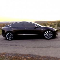 Tesla ya prueba los Model 3 para la presentación (Vídeo)