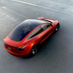 El pack de baterías del Tesla Model 3 tendrá un 30% más de densidad energética que el pack original del Model S