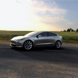 Elon Musk tiene como objetivo superar en ventas a Mercedes y BMW con el Model 3 en sólo un año en Estados Unidos