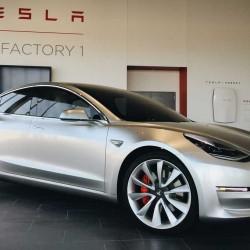 Un informe indica que el Tesla Model 3 estará listo para el segundo semestre de 2017. Tesla afianza la financiación para lograrlo