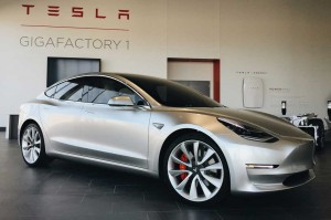 Tesla-Model-3-at-Gigafactory-1