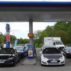 Medidas para luchar contra la invasión de las plazas de recarga de coches eléctricos