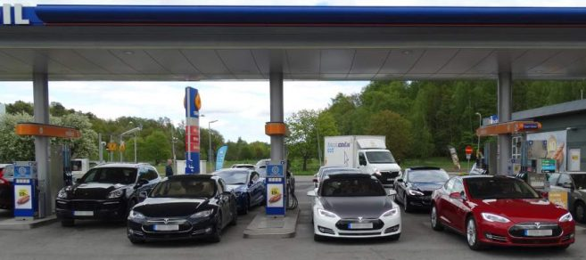 tesla-gas-station-sweden-657x292
