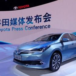 Toyota Corolla PHEV. La versión híbrida enchufable se presenta en Pekín
