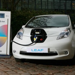 Holanda quiere extender la recarga inteligente de coches eléctricos por todo el país