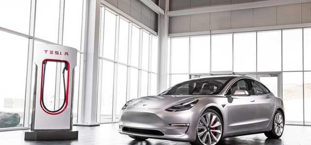La valiente, y arriesgada, apuesta de Tesla con la producción del Model 3