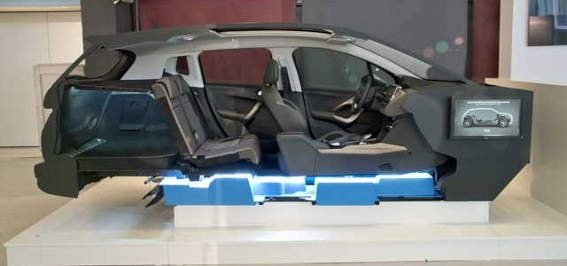PSA presenta sus nuevas plataformas para coches eléctricos e híbridos enchufables.