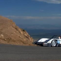 El ganador de Pikes Peak 2015 ya entrena para este año. 7 motores eléctricos y 1595 CV