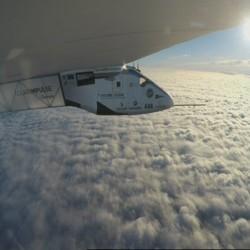 El Solar Impulse 2 vuela sobre el Atlántico con destino a Sevilla