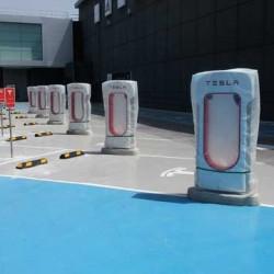 Fotos del supercargador de Tesla en Murcia