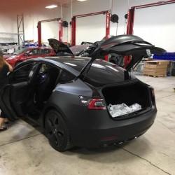 El Tesla Model 3 podrá plegar sus asientos traseros, y dejar una superficie plana en el maletero