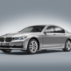 BMW Serie 7 iPerformance. Un híbrido enchufable con un precio desde 102.500 euros